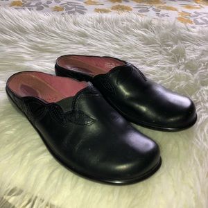 CLARKS Leather Slip On Mules Comfort Shoes Sz 6M